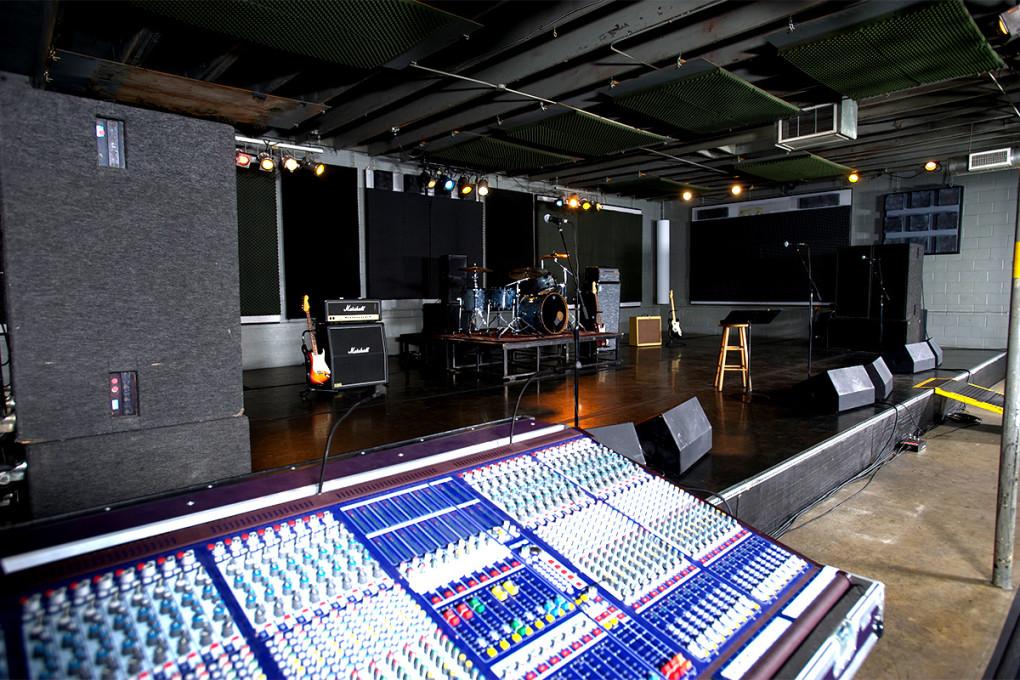 Mates Main - Studio C